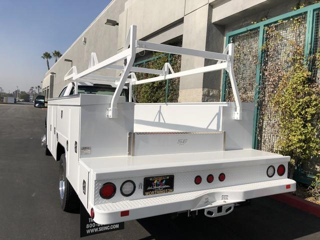 2017 F-550 Regular Cab DRW 4x2,  Scelzi Crown Service Body #H2882 - photo 2