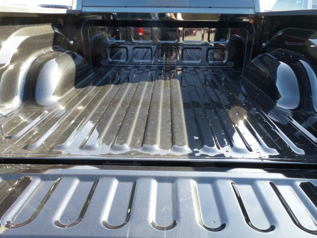 2017 Ram 1500 Crew Cab 4x4 Pickup #20568 - photo 24