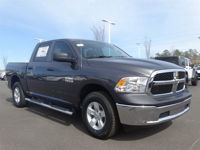 2017 Ram 1500 Crew Cab 4x4 Pickup #20584 - photo 3