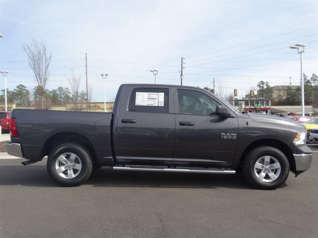 2017 Ram 1500 Crew Cab 4x4 Pickup #20584 - photo 4