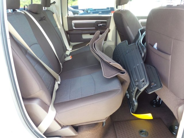 2017 Ram 1500 Crew Cab 4x4 Pickup #21038 - photo 28
