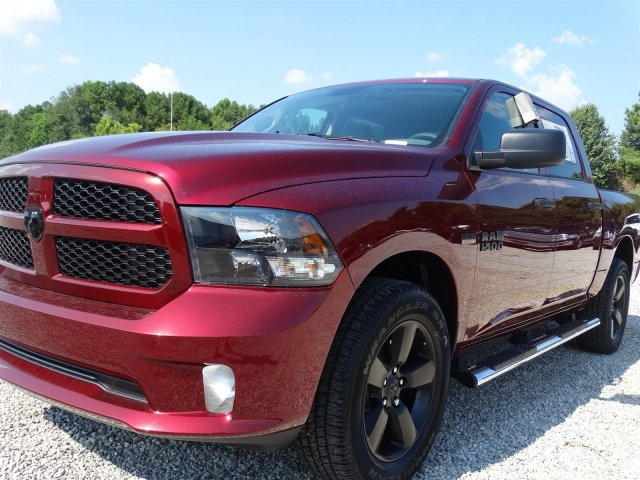 2017 Ram 1500 Crew Cab 4x4 Pickup #21209 - photo 9