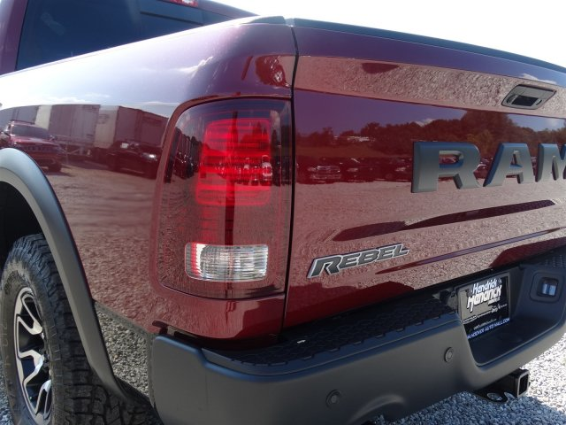 2017 Ram 1500 Crew Cab 4x4 Pickup #21249 - photo 33