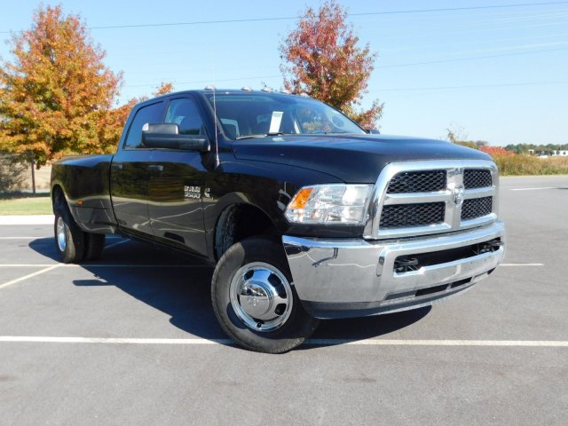 2018 Ram 3500 Crew Cab DRW 4x4, Pickup #30497 - photo 3