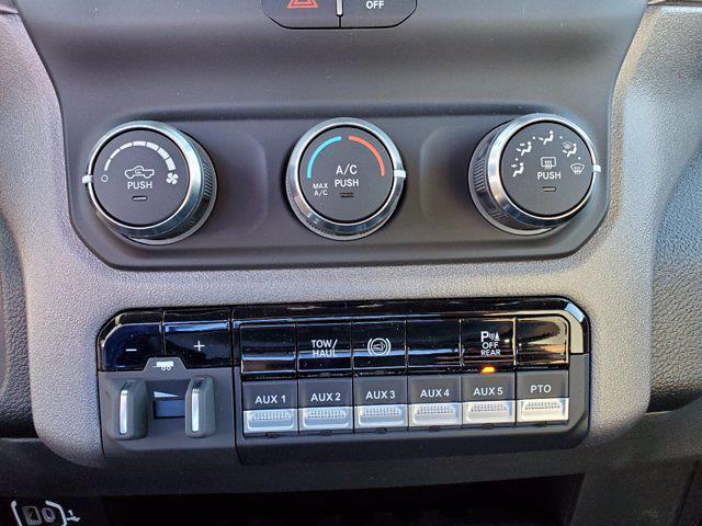 2021 Ram 3500 Crew Cab DRW 4x4, Cab Chassis #CM78236 - photo 18