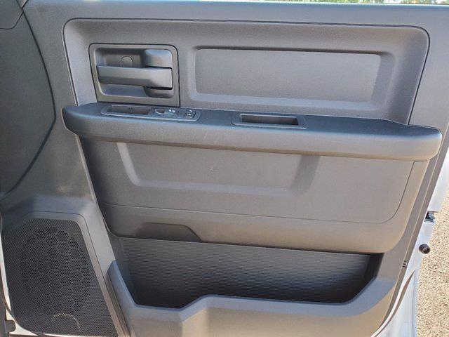 2021 Ram 3500 Crew Cab DRW 4x4, Cab Chassis #CM78236 - photo 30
