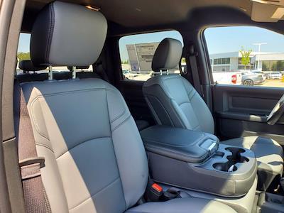 2021 Ram 3500 Crew Cab DRW 4x4, Cab Chassis #CM78237 - photo 31