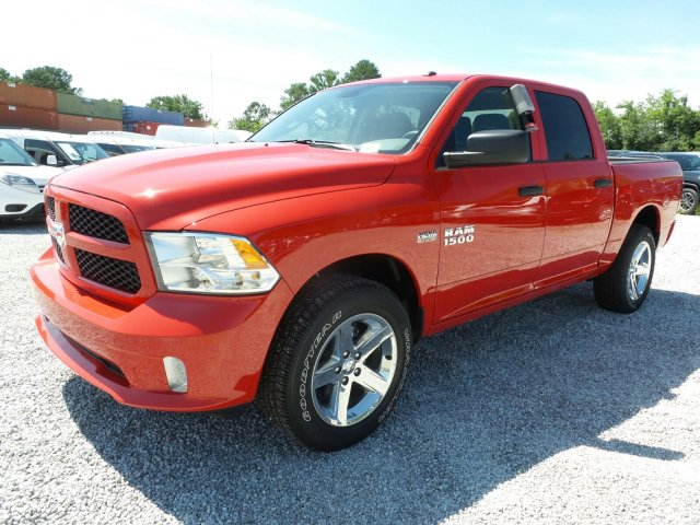 2017 Ram 1500 Crew Cab 4x4 Pickup #L20820 - photo 8