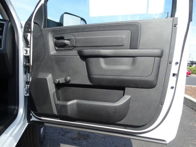 2017 Ram 3500 Regular Cab DRW, Cab Chassis #M20139 - photo 27