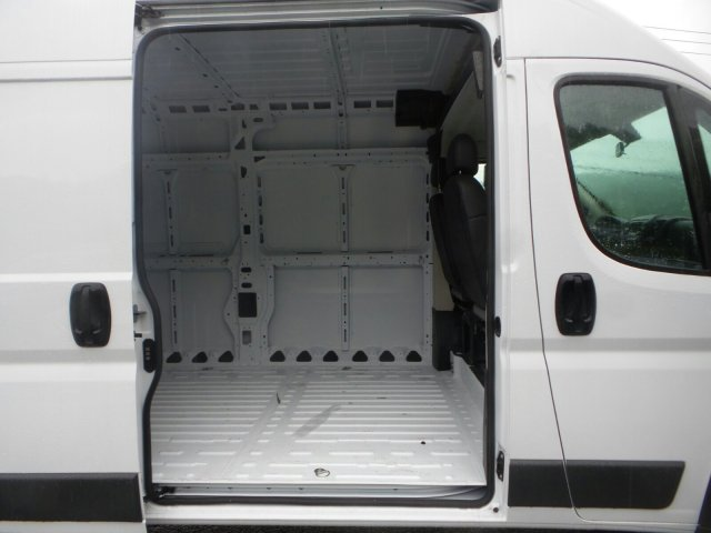 2017 ProMaster 2500 High Roof, Cargo Van #M20891 - photo 23