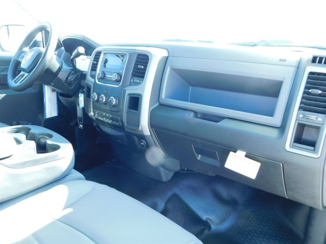 2018 Ram 5500 Regular Cab DRW, Cab Chassis #M30125 - photo 25