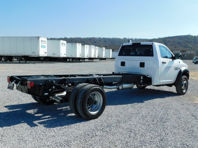 2018 Ram 5500 Regular Cab DRW, Cab Chassis #M30125 - photo 2