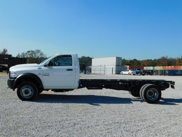 2018 Ram 5500 Regular Cab DRW, Cab Chassis #M30125 - photo 7