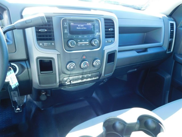 2018 Ram 3500 Crew Cab DRW Platform Body #M30148 - photo 17
