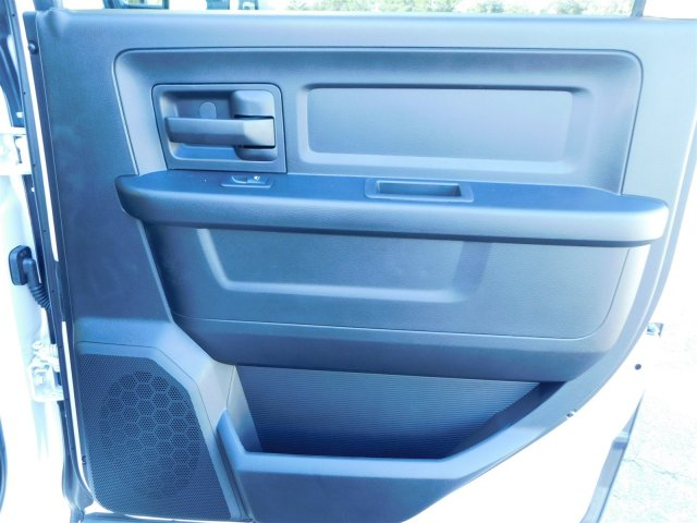 2018 Ram 3500 Crew Cab DRW 4x4 Platform Body #M30233 - photo 28