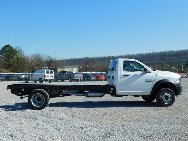 2018 Ram 5500 Regular Cab DRW, Cab Chassis #M30463 - photo 4