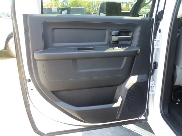 2018 Ram 3500 Crew Cab DRW, Platform Body #M30582 - photo 23
