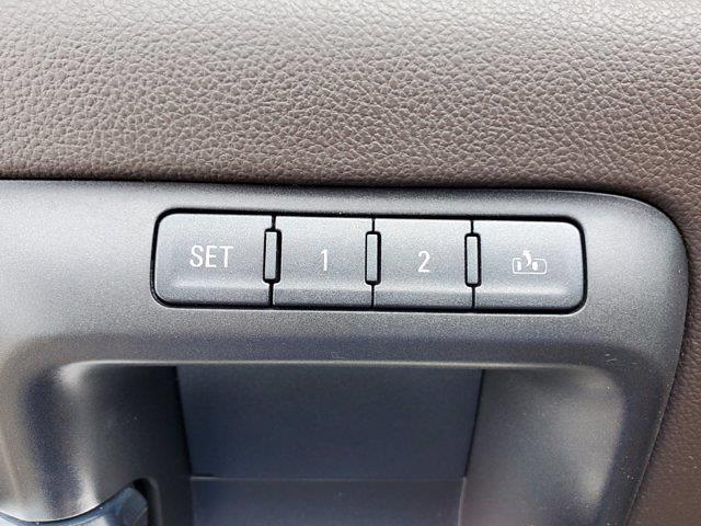 2017 Chevrolet Silverado 1500 Crew Cab 4x4, Pickup #PS20833 - photo 12
