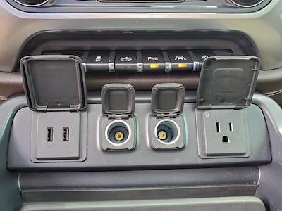 2017 Chevrolet Silverado 1500 Crew Cab 4x4, Pickup #PS20833 - photo 23