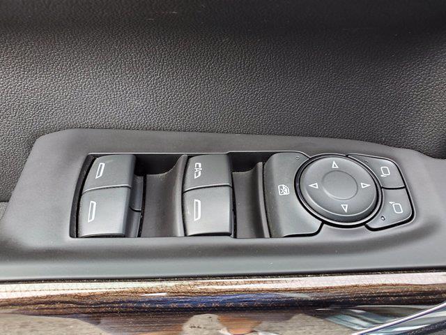 2019 Chevrolet Silverado 1500 Crew Cab 4x4, Pickup #XH20745A - photo 10