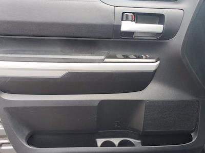 2018 Toyota Tundra Crew Cab 4x4, Pickup #XR20918 - photo 10