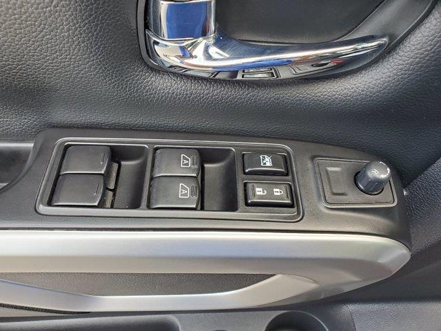 2018 Nissan Titan Crew Cab 4x4, Pickup #M03963A - photo 11