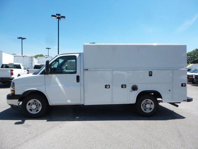 2019 Express 3500 4x2, Service Utility Van #M1233201 - photo 5