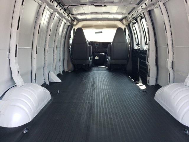 2019 Express 2500 4x2,  Empty Cargo Van #M1316881 - photo 2