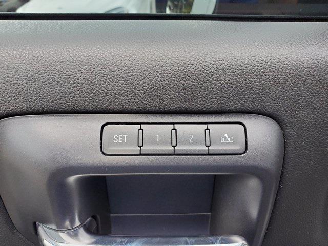 2015 Chevrolet Silverado 2500 Crew Cab 4x4, Pickup #M66624A - photo 11