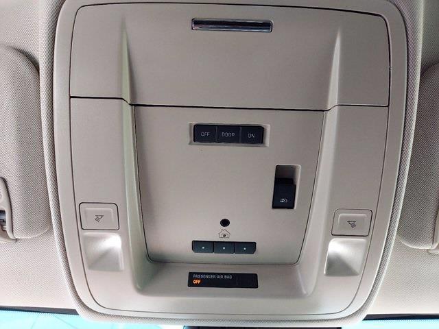 2017 Chevrolet Silverado 1500 Crew Cab 4x4, Pickup #SA51044 - photo 24