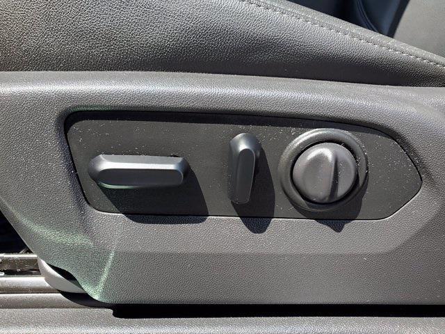 2019 Chevrolet Silverado 1500 Crew Cab 4x4, Pickup #SA51184 - photo 12