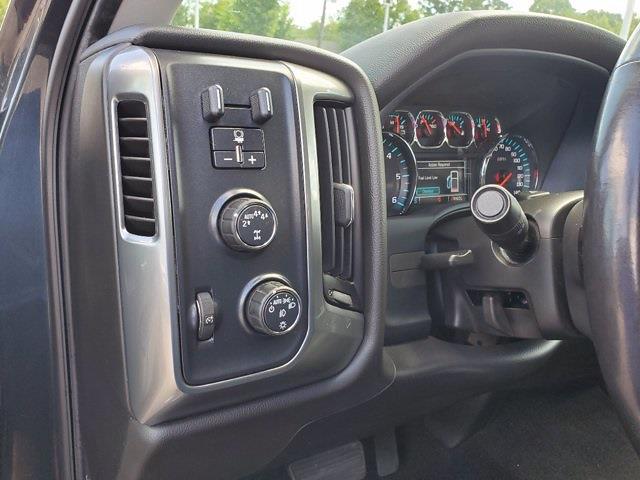 2018 Chevrolet Silverado 1500 Double Cab 4x4, Pickup #XR50977 - photo 13