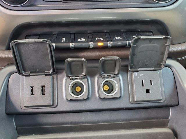 2018 Chevrolet Silverado 1500 Crew Cab 4x4, Pickup #XR51143 - photo 23