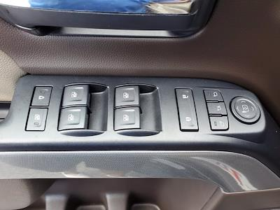 2018 Chevrolet Silverado 1500 Crew Cab 4x4, Pickup #XR51143 - photo 11