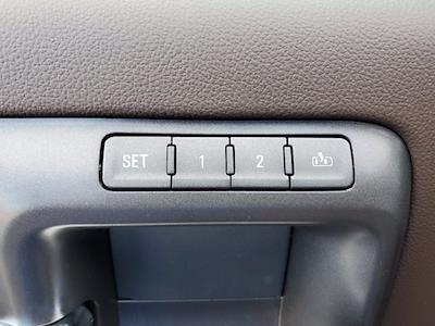 2018 Chevrolet Silverado 1500 Crew Cab 4x4, Pickup #XR51143 - photo 12