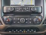 2018 Chevrolet Silverado 1500 Crew Cab 4x4, Pickup #XR51143 - photo 22