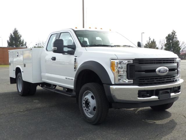 2017 F450 SuperCab 4x2 XL w/9' Utility Body #171252 - photo 4