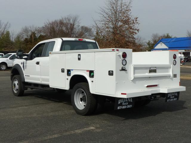 2017 F450 SuperCab 4x2 XL w/9' Utility Body #171252 - photo 2