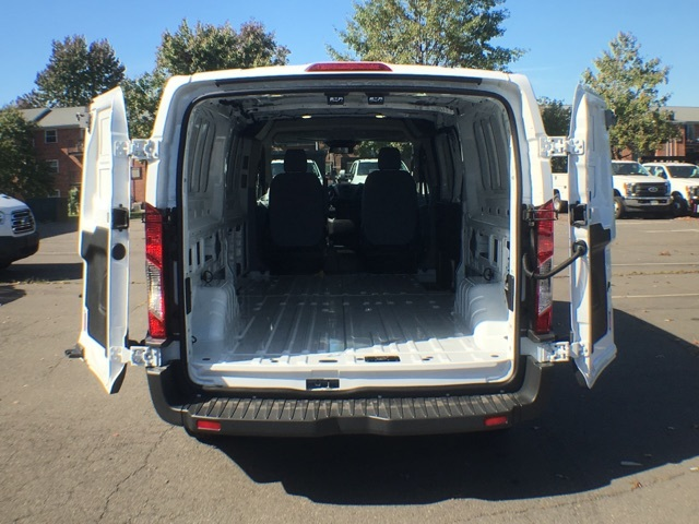 2017 T250 148 LOW RF CARGO VAN #172832 - photo 2