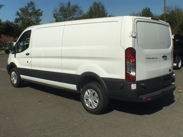 2017 T250 148 LOW RF CARGO VAN #172832 - photo 3