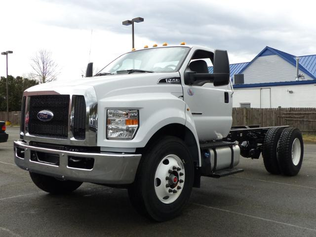 2017 F750 Reg Cab 25,999 GVWR 176 WB #T17077 - photo 1
