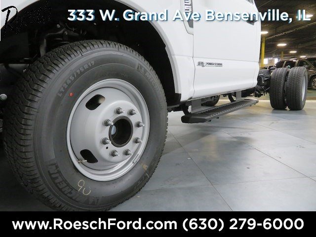 2018 F-350 Regular Cab DRW 4x2,  Cab Chassis #17-7242 - photo 26