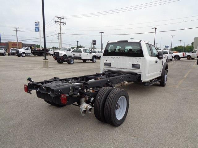 2019 Ford F-550 Super Cab DRW 4x4, Cab Chassis #19-5359 - photo 2