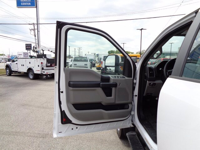 2019 Ford F-550 Super Cab DRW 4x4, Cab Chassis #19-5362 - photo 8