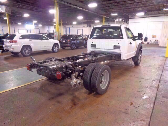 2019 Ford F-550 Regular Cab DRW 4x2, Cab Chassis #19-5719 - photo 2