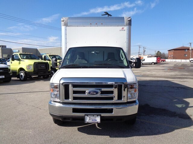 2019 E-450 4x2, Supreme Iner-City Cutaway Van #19-5920 - photo 3