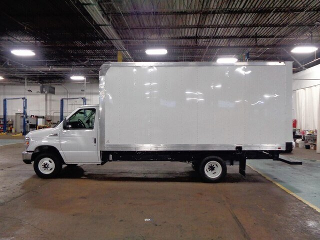2019 E-450 4x2, Supreme Iner-City Cutaway Van #19-5922 - photo 5