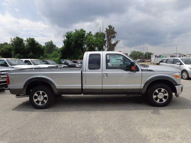 2016 F-250 Super Cab Pickup #166551 - photo 3