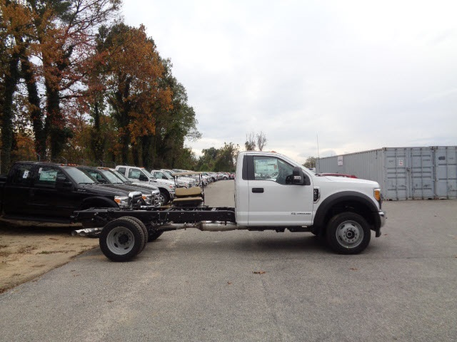 2017 F-450 Regular Cab DRW 4x4 Cab Chassis #175322 - photo 3