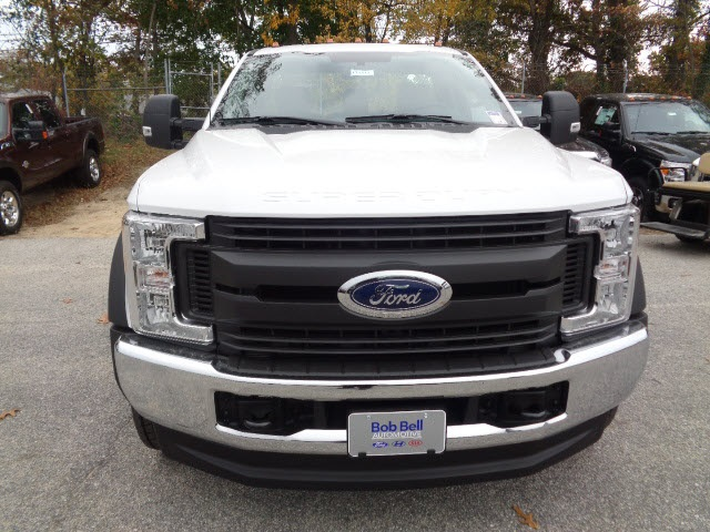 2017 F-450 Regular Cab DRW 4x4, Cab Chassis #175322 - photo 4